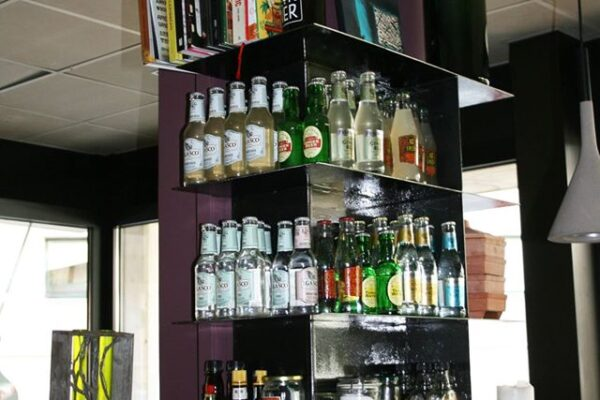 Mensole Delamont al bar Corner Pordenone