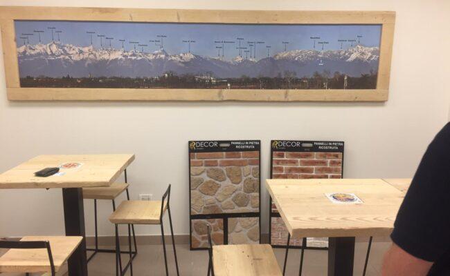 Tavolini e sgabelli personalizzati - Industrie Delamont